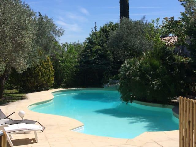 Grande villa 150m2  avec piscine - Manosque - House