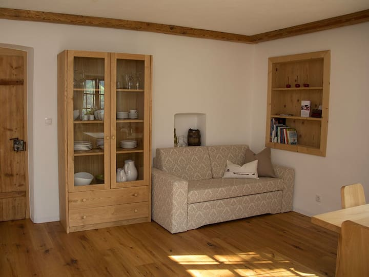 """Newly Renovated Apartment """"Schildhofsuite"""" in """"Schildhof Ebion"""" in Quiet Location with Mountain View, Wi-Fi & Garden; Parking Available"""
