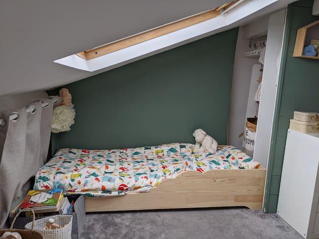 Chambre enfant / Children bedroom