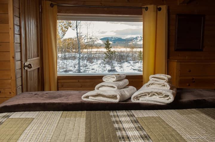 Fuzzy Crocus Cabin at Sundog Retreat
