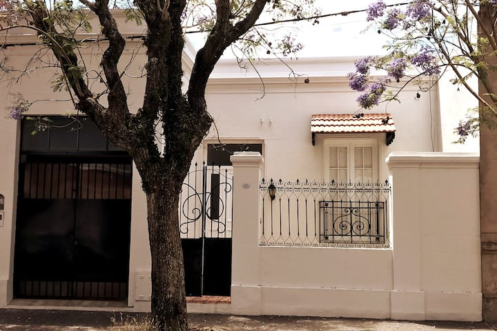"""El Jacarandá: """"Relax"""" en el corazón de Chascomús"""