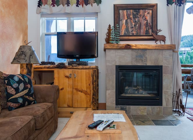 Saddle Ridge G4- Ski in/Out Walk 2 Moonlight Lodge - Big Sky - Townhouse