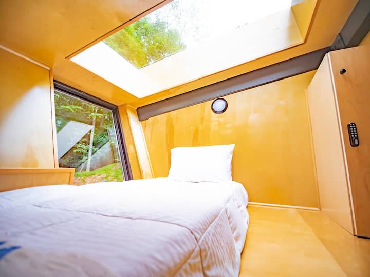 River Mountain Twin Bed Glamping Pod- Shared Cabin
