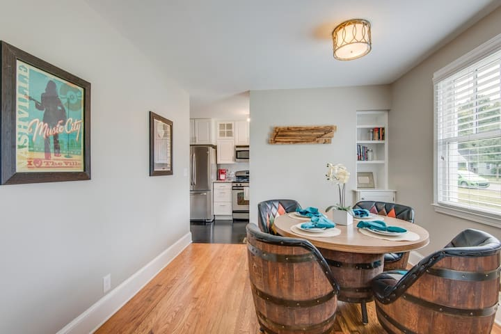 Conveniently located 12 South - Melrose Charmer