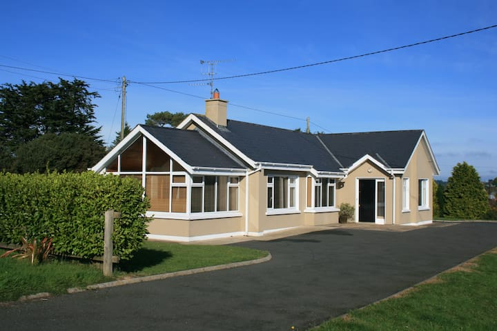 Superb holiday home in Wexford seaside village - Blackwater - Dom