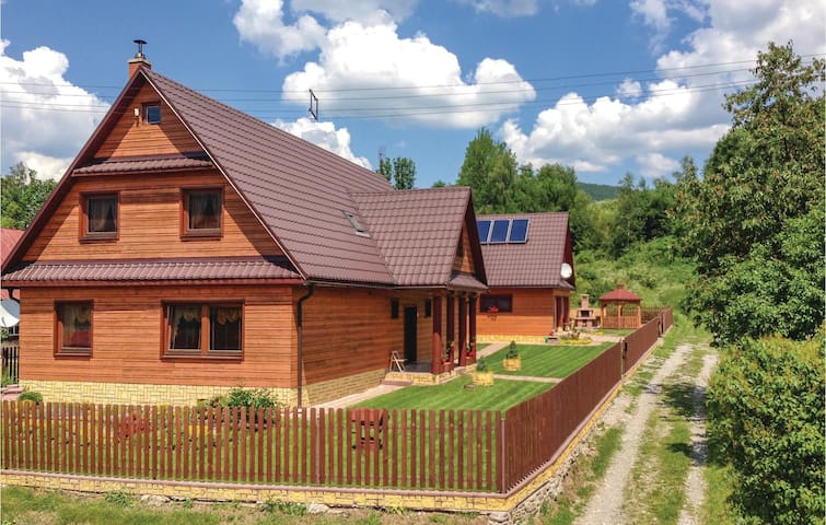 Holiday cottage with 6 bedrooms on 228 m² in Stara Bystrica
