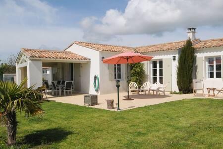 Villa au calme, à proximité de la mer - Sainte-Marie-de-Ré - Villa