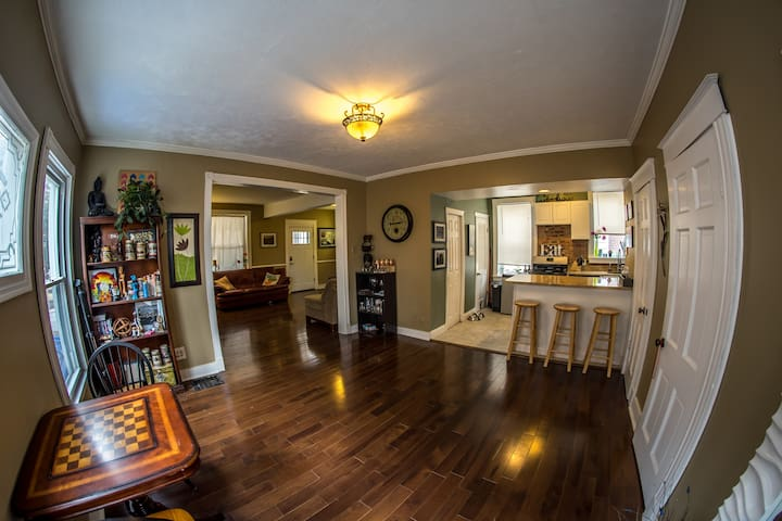 New Listing! Renovated House in Maplewood