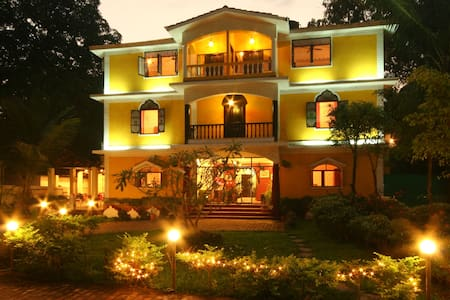 Double AC Room in Siolim North Goa - Siolim - Bed & Breakfast
