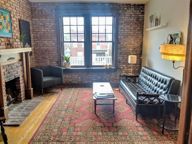 ☀ Lovely Sunny Wash U/Delmar Loop—ENTIRE 3 BR FLAT
