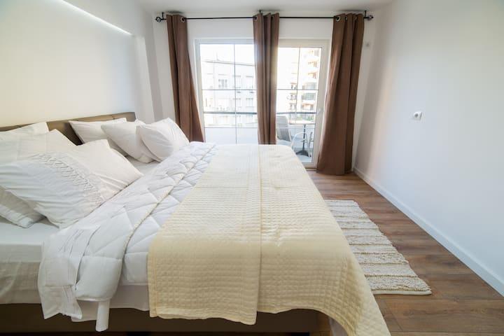 Entire Apartment - Tiranë Centre (2)