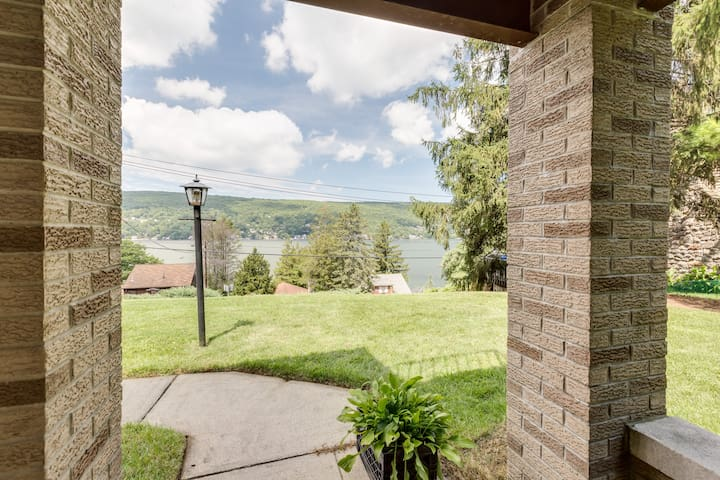 Warwick 2 Bedroom Guest Suite with Lake Views! - Greenwood Lake - Konukevi