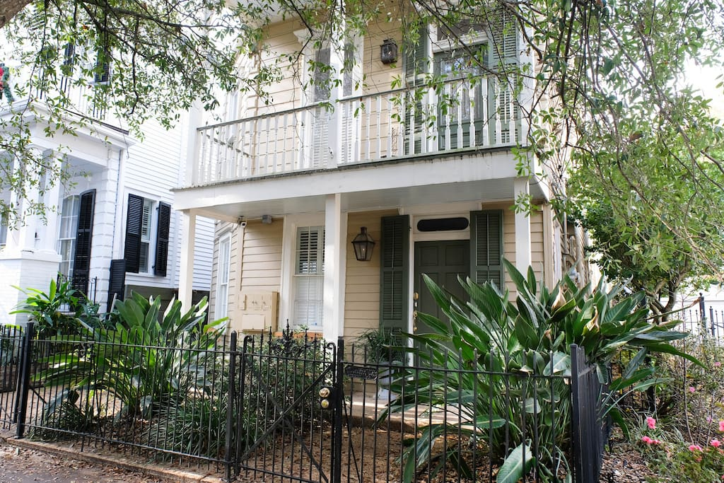 Romantic Garden District Private Suite Guest Suites For Rent In New Orleans Louisiana United