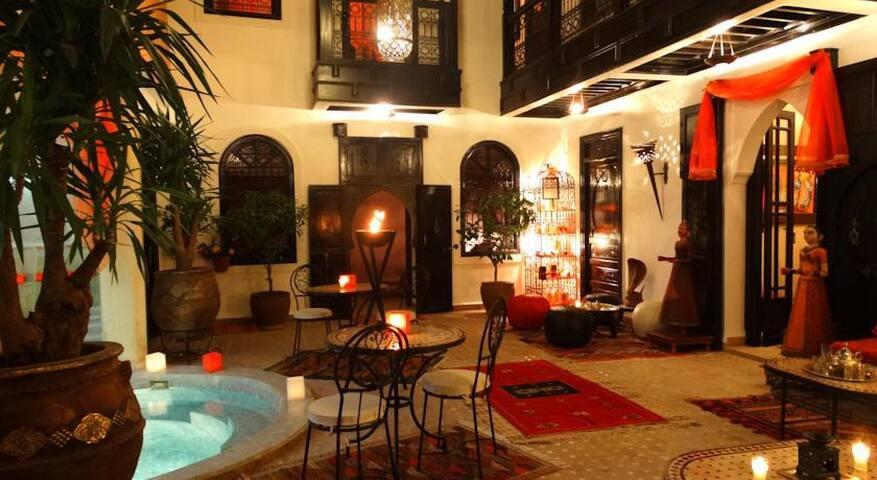 Riad with swim pool Hammam & Spa suite sultana - Marrakesh - Bed & Breakfast