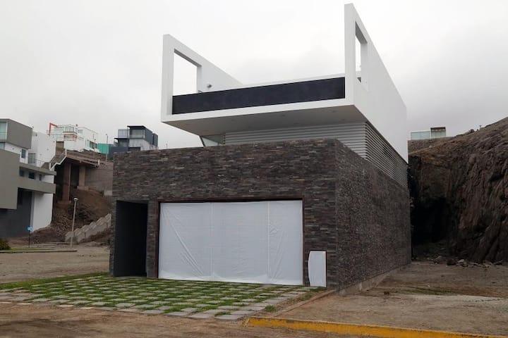 Casa de Playa Las Palmeras 123.7 Panamericana Sur