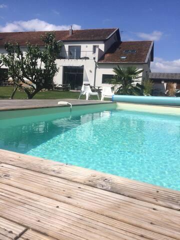 Gîte Ardoise piscine à 15 km de la Rochelle