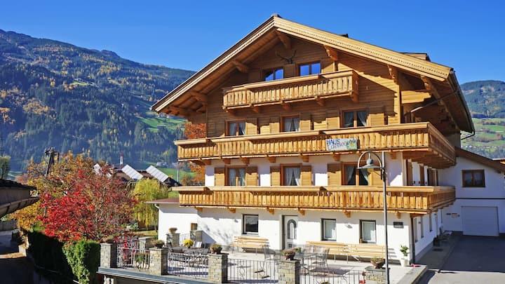 Stumm Zillertal Tirol appartement 1 100m2!