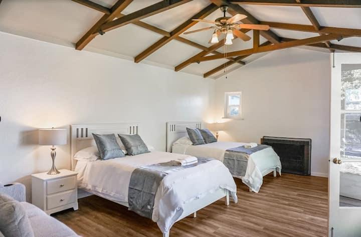 Bright Cozy Home around CSU East Bay Hayward