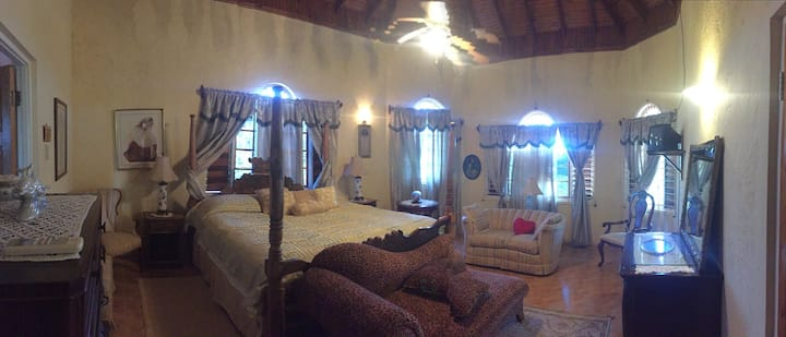Honeymoon Suite at Villa Victoria.
