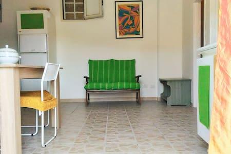 graziosissimo appartamento - Priatu - Dom
