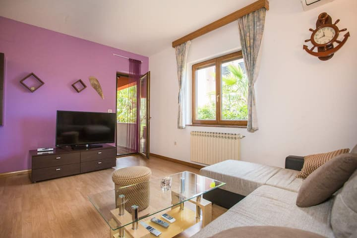 Apartment Milica only 3 km from the sea