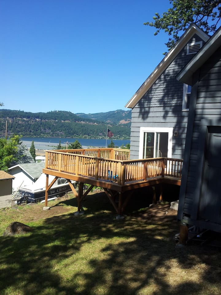 HR Downtown 3 BR Charming Home with River Views