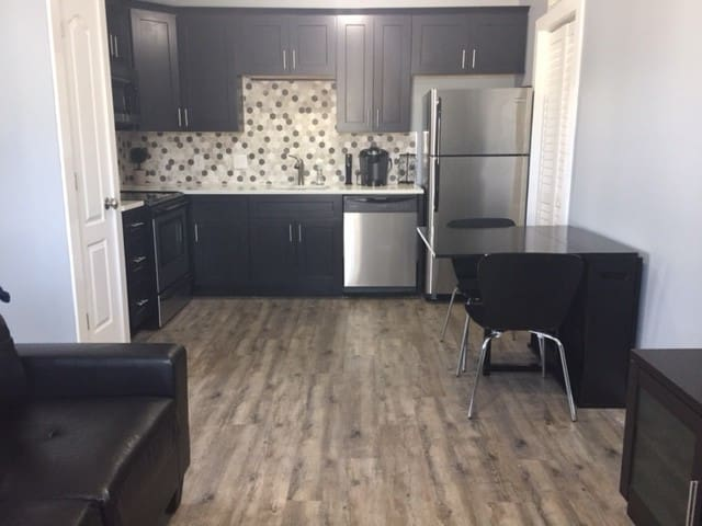 Trendy Studio in Neighborhood 1 Mile from Uptown - Charlotte - Byt