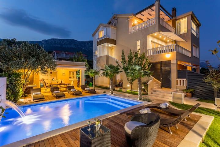 Villa Fox Exclusive - heated pool,sea view,gym&bbq