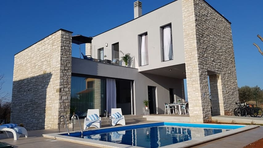 Villa Selest, luxury house with private pool