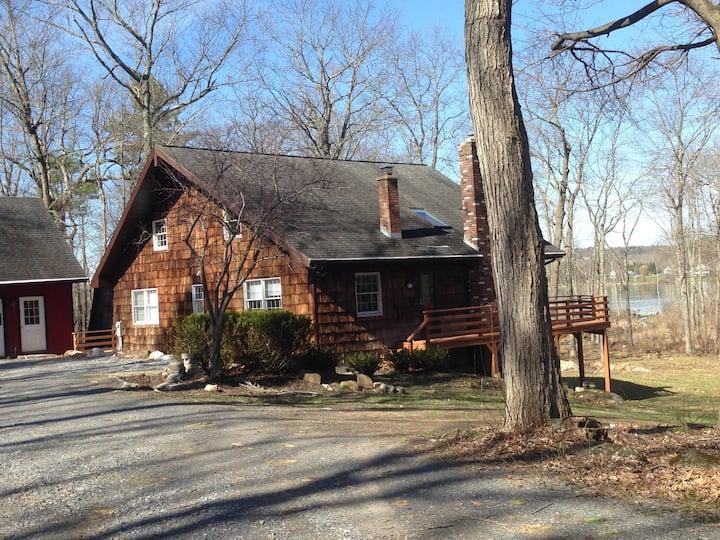 Saratoga County lakeside home sleeps up to 8