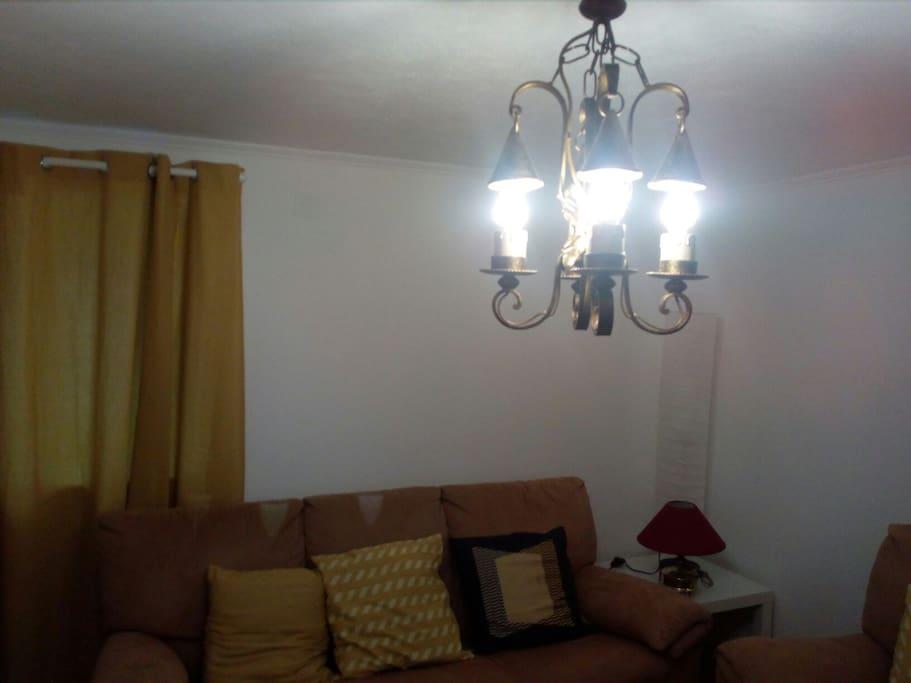 Sala de estar e televisão