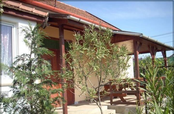Abádi Eszter Ház