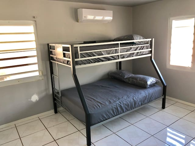 2nd bedroom has a bunk bed (full/twin)