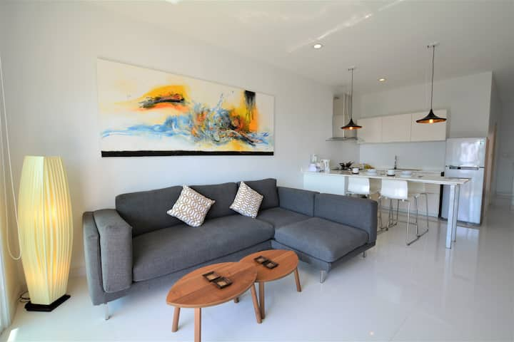 Coconut Bay Club Suite 305. 2-bed apartment