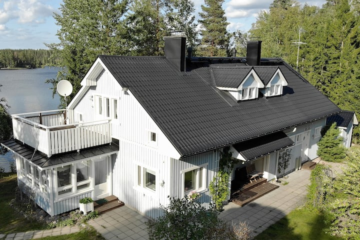 Luxury Villa 250m2 by the lake of Saimaa