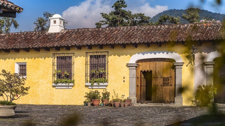 Double Room - Casa Rita - Antigua Guatemala - Hus