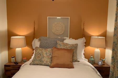 The Moroccan Getaway (3rd Bedroom)