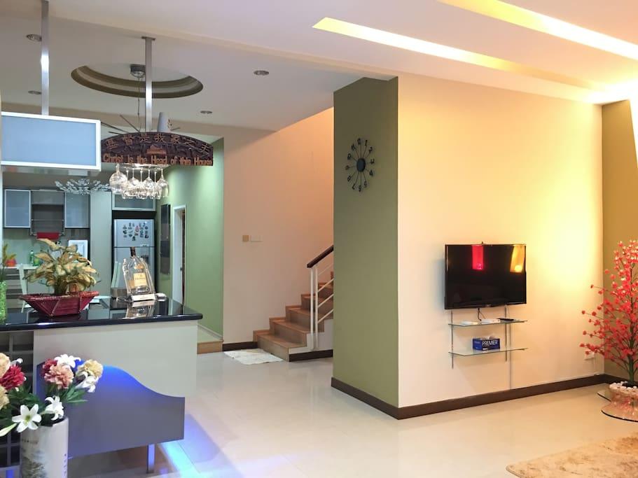 Living room, Mini bar, Dining area