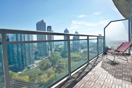 Stunning Lakeshore Loft - Toronto
