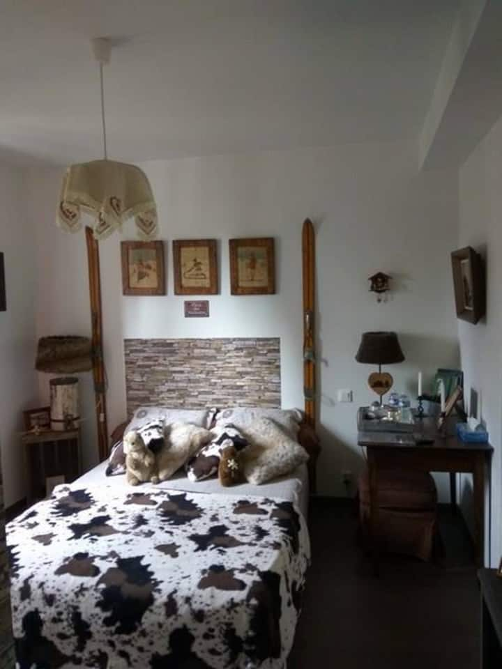 La bastide: chambre chalet