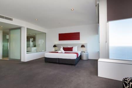 Q1 Resort - Four Bedroom Executive Spa Apartment - Balcony View