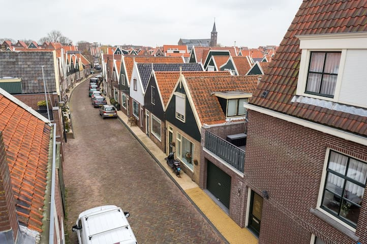Beautiful house in centre Volendam - Volendam - Casa