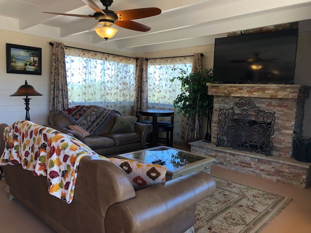 1 Br Casita in Foothills NorthWest on 17 acres