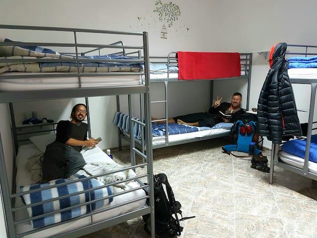Canary Sun Hostel- Habitación mixta compartida