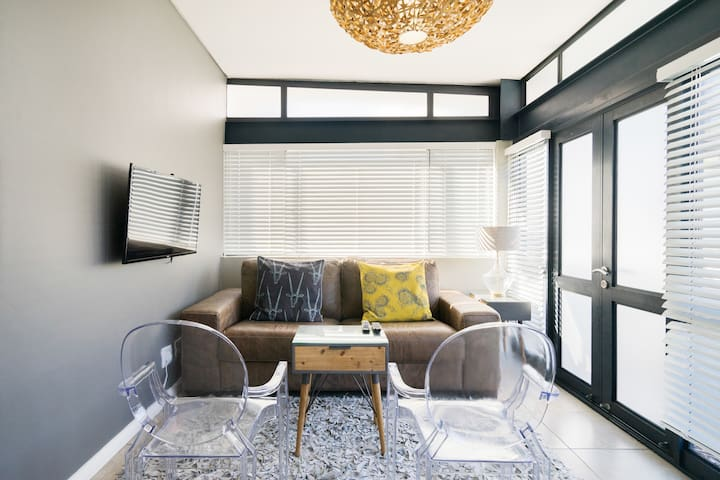Relax in a Luxury Self-Catering  Apartment in Stellenbosch - Eikehof 26