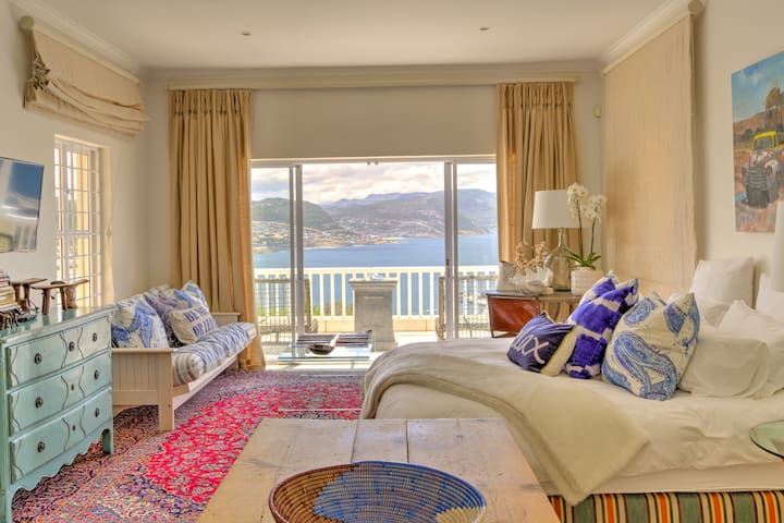 Heavenly Ocean Mountain View Studio in Simonstown - Cape Town