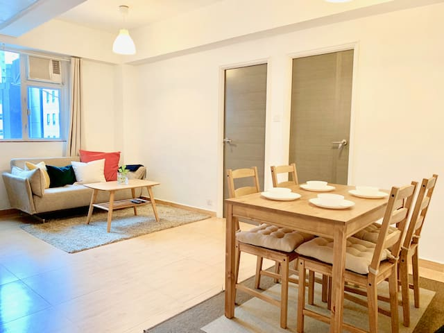 Modern 2BR Flat in Heart of City. 1 min to MTR.
