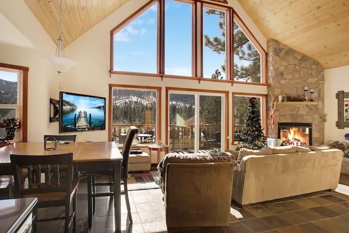 Lake House w/ Decks & Hot Tub