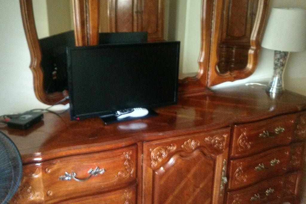 Flat screen TV with cable included