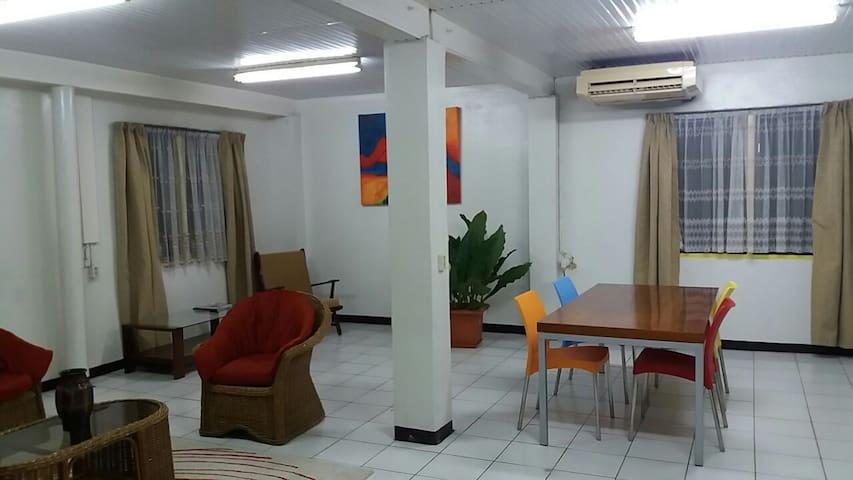 Howard's house - Paramaribo - Hotel butikowy